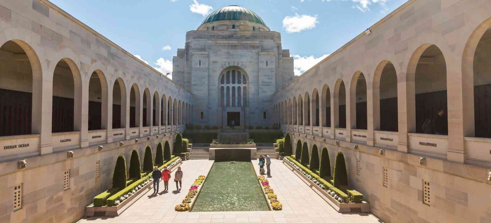 Canberra Tour from Sydney - Visit Canberra Highlights in a Day